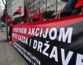 International Workers Association / Asociación Internacional de los Trabajadores (IWA-AIT) ,Anarquismo,Anarquistas,Anarquistas,Anarquía,Libertario,Anarcosindicato,strajkbeograd_0, Výzva CNT k akciám proti plánu firmy Alstom zatvoriť továrne v Španielsku  Francúzska spoločnosť Alstom je globálnym lídrom v energetických a dopravných systémoch so zastúpením v zhruba 100 krajinách, vrátane Slovenska a Česka. Poznáme ju napríklad vďaka vlakom Pendolino, ktoré vyrába v Taliansku. V Španielsku plánuje onedlho prepustiť 373 ľudí a zatvoriť tri továrne. Členovia zväzu CNT pôsobiaci v jednej z nich v meste Coreses vyzývajú k vyjadreniu nesúhlasu s týmto plánom. Priama akcia sa pripája a ak sa chceš pridať aj ty, čo najskôr nás kontaktuj. Keďže v pondelok 15.4. sa uskutoční ďalšie vyjednávanie, už teraz môžeš poslať firme protestný e-mail cez formulár na našom webe alebo fax. Read more » Posted by Akai at 13:39 No comments: Email ThisBlogThis!Share to TwitterShare to Facebook Labels: CNTE, pa, slovenčina Acciones de solidaridad con los trabajadores de Alstom en España   El 15 de abril empiezan las negociaciones sobre el futuro de las fábricas de Alstom en España. 373 trabajadores pueden perder su trabajo debido a los cierres previstos. Los compañeros de la Sección Sindical de la CNT Zamora en Alstom nos informaron de la situación. Decidimos actuar en solidaridad con los trabajadores. Pegamos carteles en todas las calles alrededor de la sede de Alstom en Polonia, en Varsovia. Enviamos faxes a Alstom en Polonia, España y Francia. Publicamos información sobre la situación y pedimos el envío de correos electrónicos a Patrick Kron en la sede de la empresa. Read more » Posted by Akai at 13:31 No comments: Email ThisBlogThis!Share to TwitterShare to Facebook Labels: español, ZSP Solidarni z pracownikami Alstom   15 kwietnia zaczynają się negocjacje w sprawie zamknięcia dwóch fabryk firmy Alstom w Hiszpanii. Alstom to duża międzynarodowa korporacja. W tych fabrykach zajmowano się prod