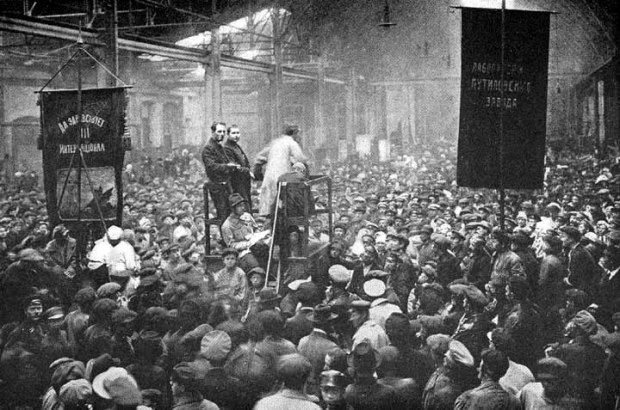 putilov_factory_meeting-petrograd-1917