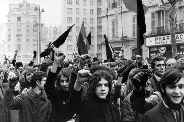 02_Estudantes_em_1968_na_Franca_02